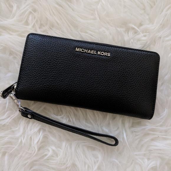 9d9876ed2bc6 Michael Kors Bags | Jet Set Travel Continental Leather | Poshmark